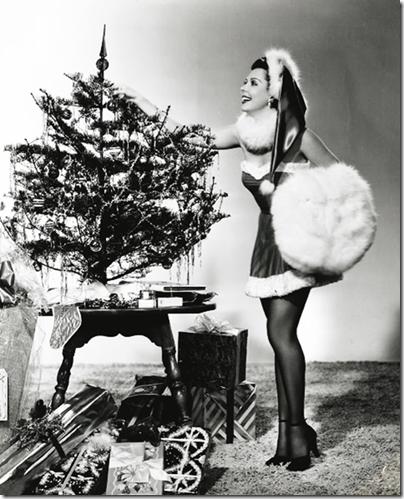AnnmillerHollywood Starlet Christmas Pin-up (24)