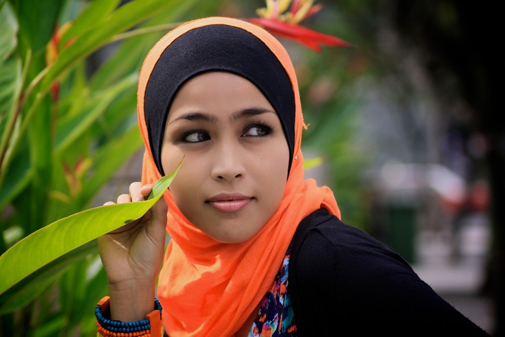 malaysian-muslim-teenage-girl-fucked-madelyn-marie-coed-porn