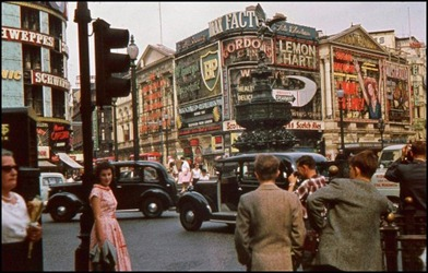 Piccadilly-Circus-II-520x332