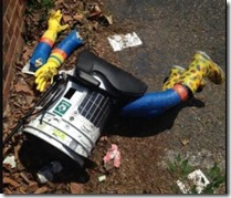 hitchbot_beaten