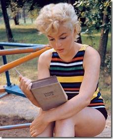 marilyn-reads-joyce-e1352357312199.jpeg