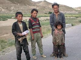 07_poor_children.jpg