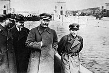 220px-Voroshilov,_Molotov,_Stalin,_with_Nikolai_Yezhov.jpg