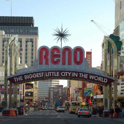 800px-Reno_arch.jpg