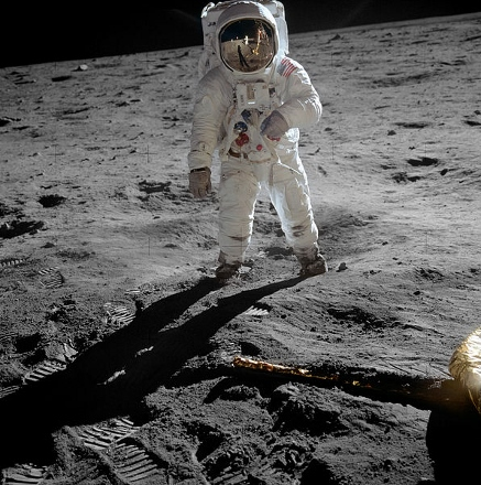 Aldrin_Apollo_11_original (437x440).jpg