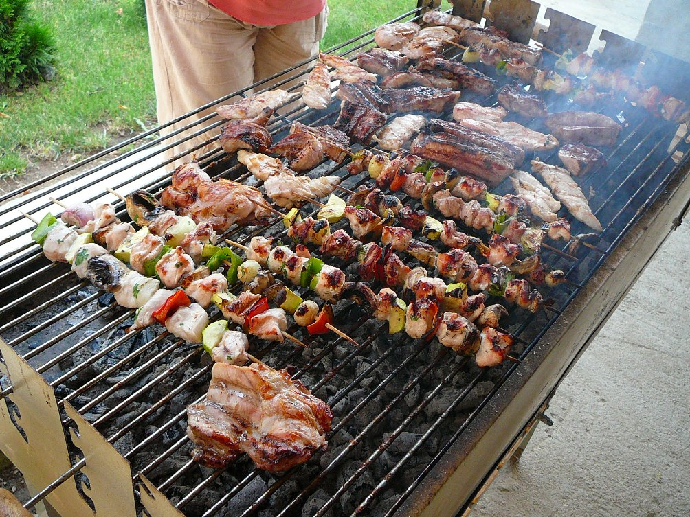 Bulgarian_barbecue_E1.jpg