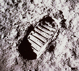 FIRST FOOTPRINT ON THE MOON.jpg