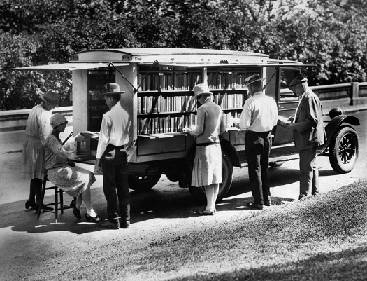 First Cincinnati bookmobile 1927 - 525.jpg