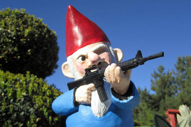 Garden-Gnomes-Go-on-the-Offensive5.jpg