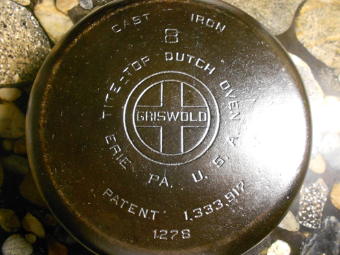 Griswold-Cast-Iron-Dutch-Oven.png