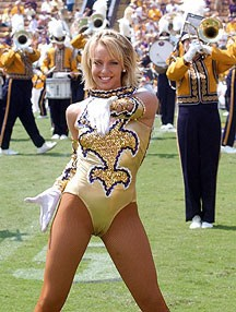 LSU-cheerleader.jpg