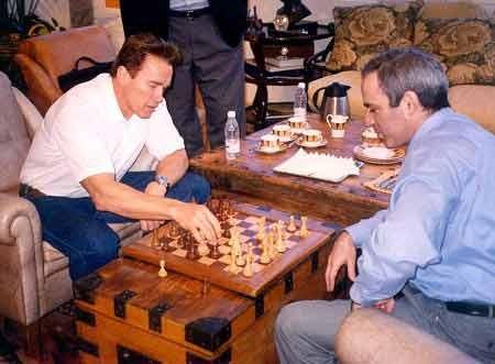 Schwarzenegger_Kasparov.jpg