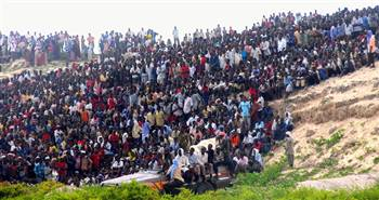 Somali Crowds Gather for Execution.jpg