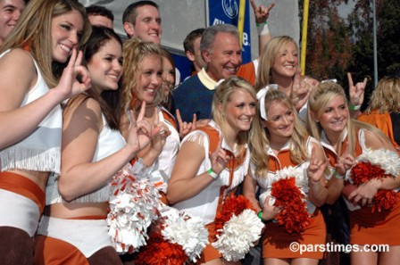UT-Cheerleaders-2006-university-of-texas-726809_500_332.jpg