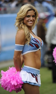 a-hot-titans-cheerleader (238x400).jpg