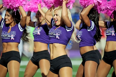 baltimore-ravens-cheerleaders-21119468 (400x266).jpg