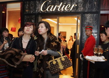 china-super-rich-cartier.jpg