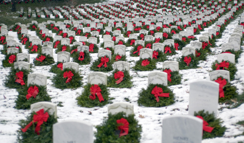 christmas_at_arlington_cemetery.jpg