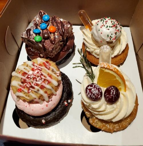 cupcakevials.jpg