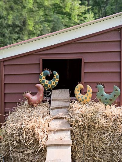 funky-chickens-metal-garden-art.jpg