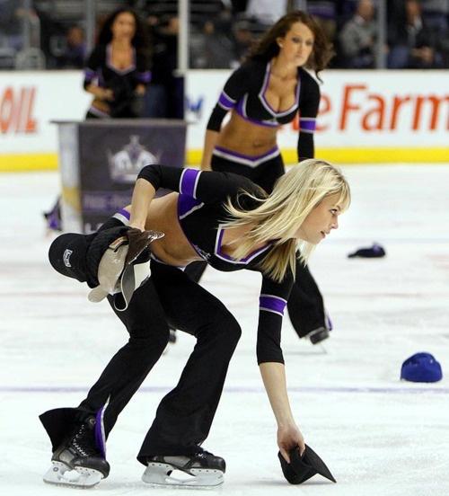 hockey-girls-500-124.jpg