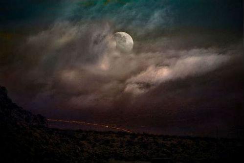 late-night-randomness-20170413-109.jpg