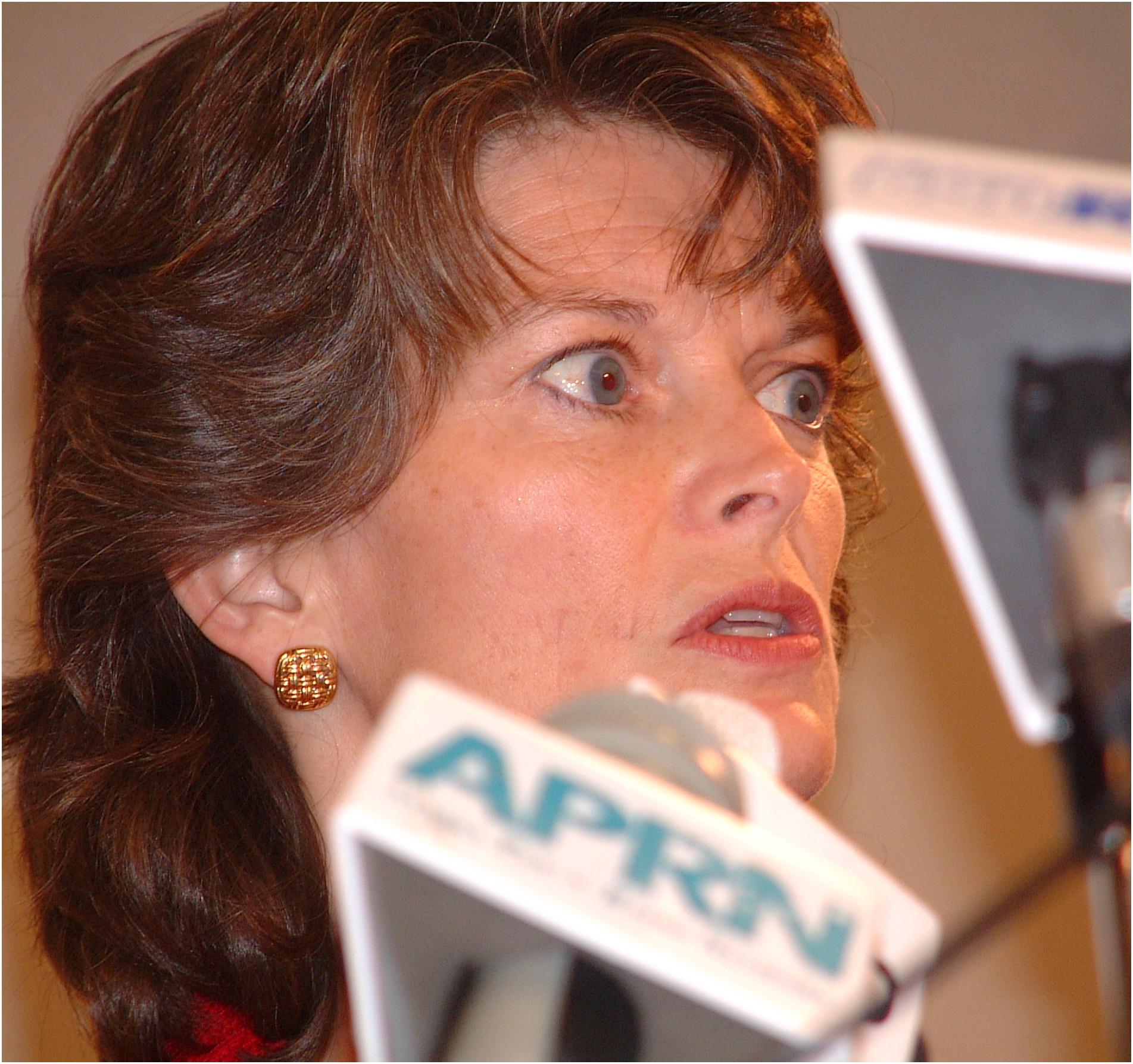 lisa-murkowski-loses-primary-senate-race.jpg