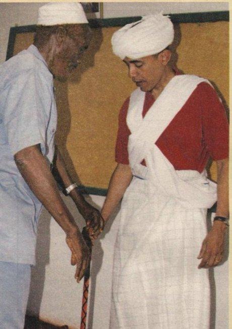 obama_muslim_garb.jpg