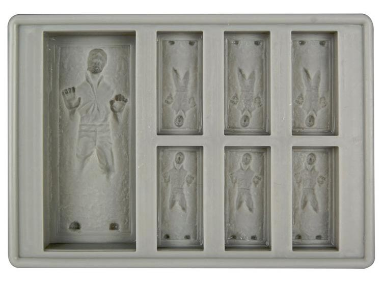 star_wars_ice_cube_tray_for_r2_d2_and_han_solo_in_carbonite_2.jpg