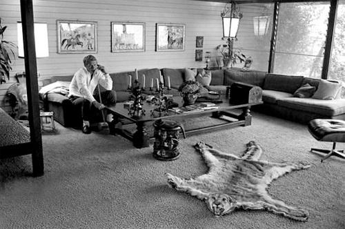 steve_mcqueen_living_room_1963.jpg