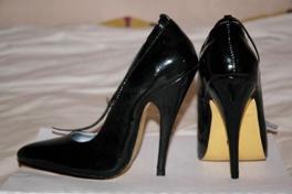 stilettos-heels1.JPG