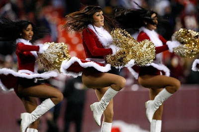 x-mas-nfl-cheerleaders-755126_480_320 (400x267).jpg